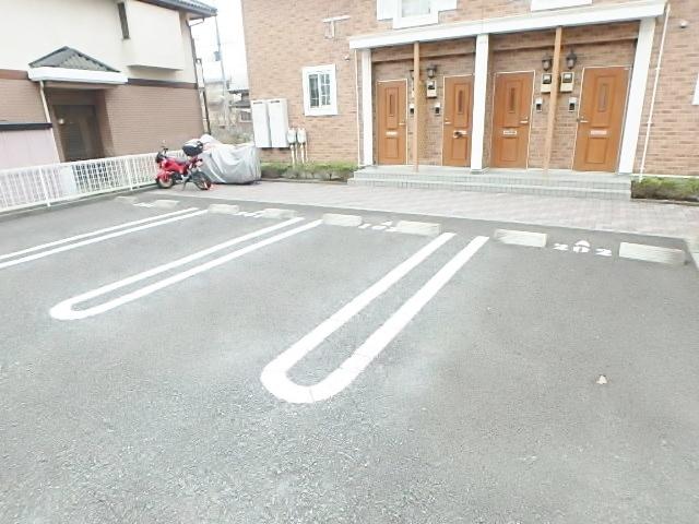 プランタンB駐車場