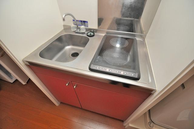 レオパレスフセアジロミナミ お料理好きにはうれしい設備。豪華なシステムキッチンですよ。
