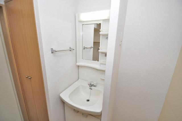 プリムヴェール 人気の独立洗面所はゆったりと余裕のある広さです。