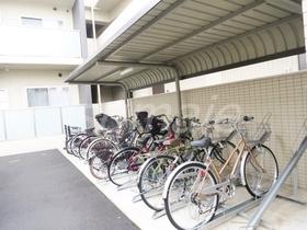 敷地内自転車置場ございます♪