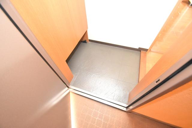サンオークスマンション 玄関から部屋が見えないので急な来客でも安心です。