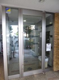 駒沢大学駅 徒歩3分エントランス
