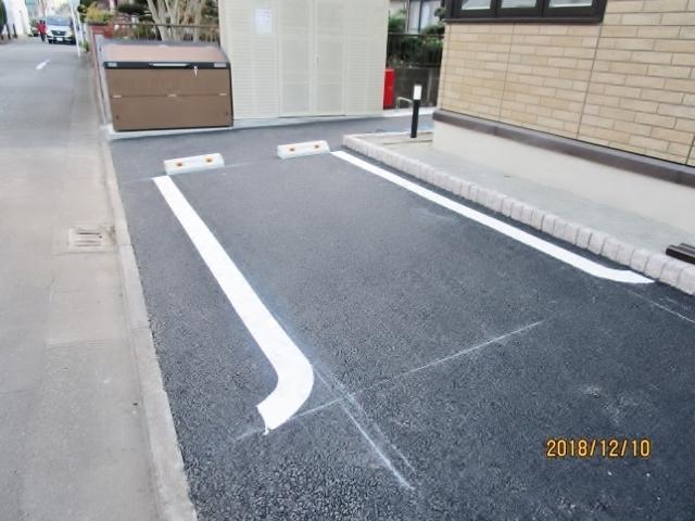 ヴィクトワール駐車場
