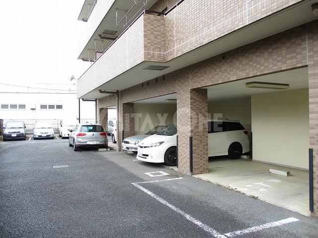 ブライトヒル駐車場
