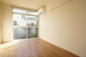 1階でも日照の良い洋室!