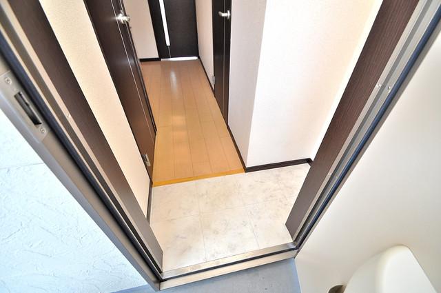 エスティームⅡ番館 玄関を開けると解放感のある空間がひろがりますよ。