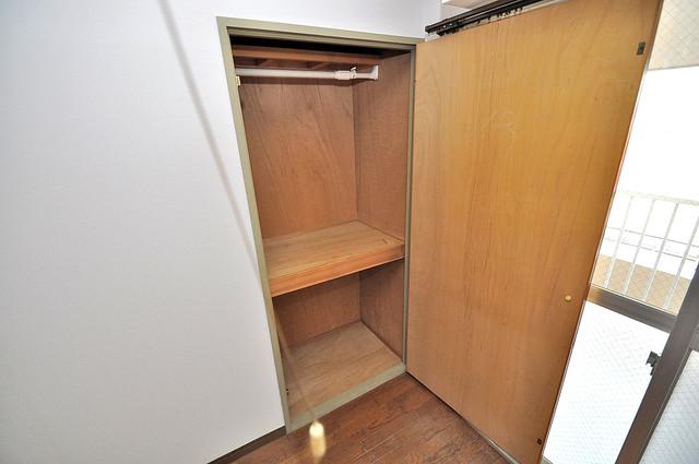 エンゼルハイツ小阪本町 収納がたくさんあると、お部屋がすっきり片付きますね。