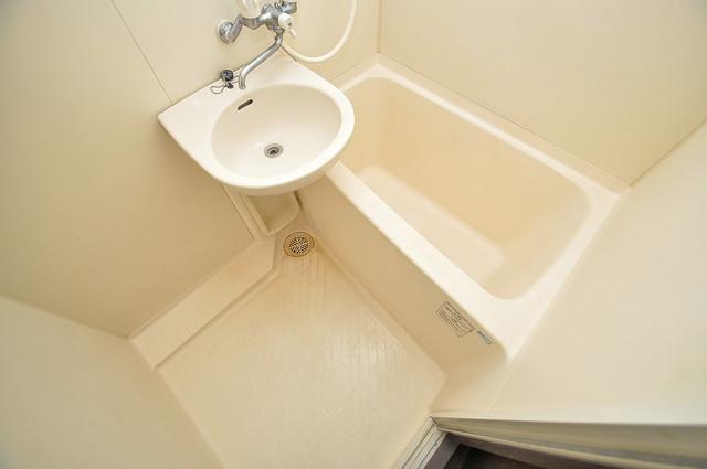 高井田ル・グラン 機能的なバスルームはトイレと別々なので、広々としていますよ。