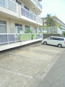 港南マンション駐車場