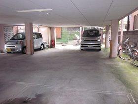 オークテラス駐車場
