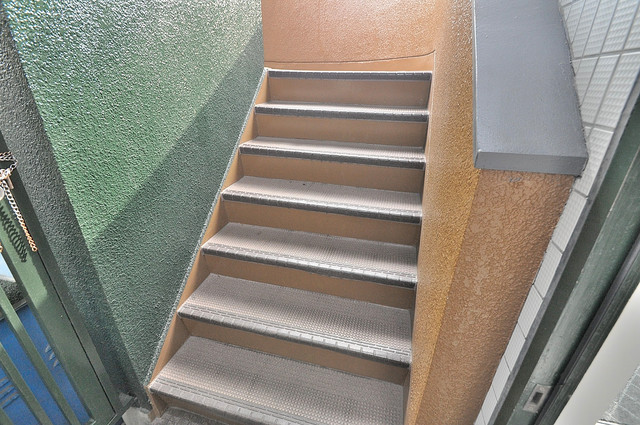 インテリジェントマンション・エソール この階段を登ればそこにあなたの新生活が待っていますよ
