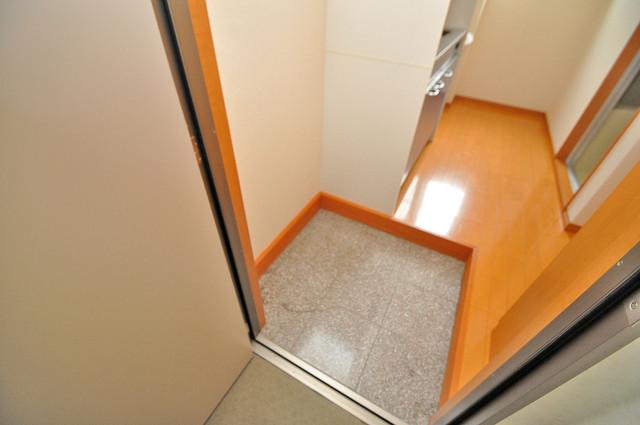 アドバンス俊徳 玄関を開けると解放感のある空間がひろがりますよ。