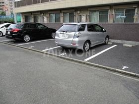 グランソレアード駐車場
