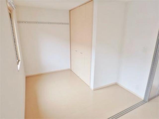 グラシアスナガヌマII居室