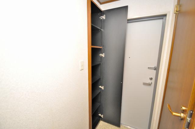 CTビュー永和 玄関にはコンパクトながらシューズボックスもありますよ。