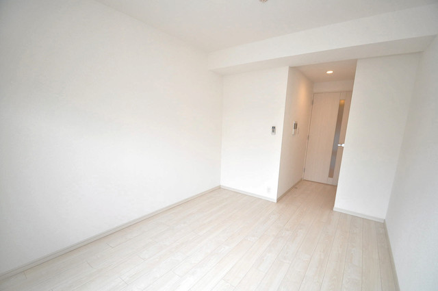 アドバンス大阪フェリシア シンプルな単身さん向きのマンションです。