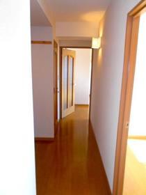 和室側からリビングまでの廊下部分