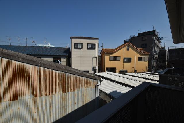 ラヴィ・クレール 目の前に建物がありますがこのように日も入ってきます。