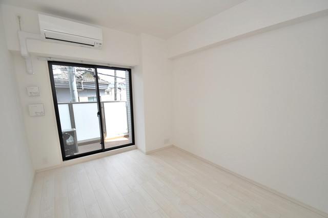 アドバンス大阪フェリシア 朝には心地よい光が差し込む、このお部屋でお休みください。