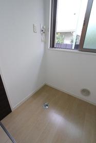 ニューラグンB 105号室