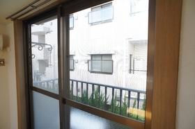 ジョイント・ファミーユB棟 202号室