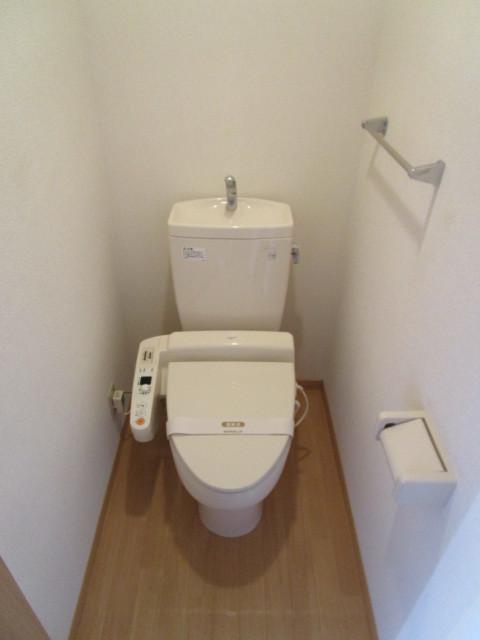 オークストイレ