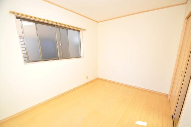大蓮東1-22-30 貸家 とても風通しが良いです。快適な睡眠がとれそうですね。