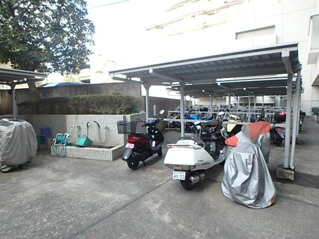 ザスクエア駐車場