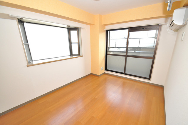 セントラルパーム 解放感たっぷりで陽当たりもとても良いそんな贅沢なお部屋です。