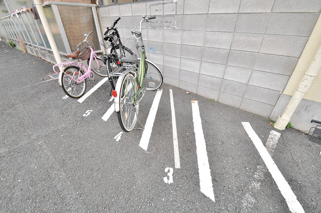 M'プラザ菱江 敷地内には専用の駐輪スペースもあります。