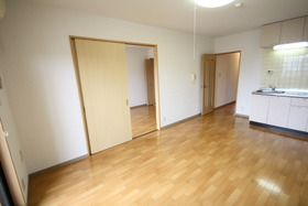 https://image.rentersnet.jp/96cb2804-6217-47fa-b910-304eba5357b7_property_picture_2988_large.jpg_cap_居室