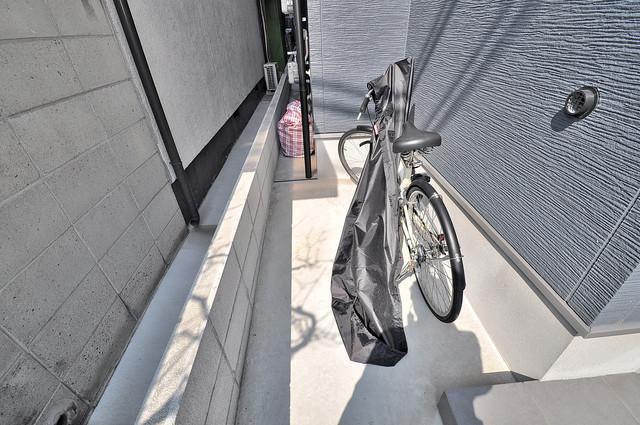 ドゥエマーニ楠根 敷地内には専用の駐輪スペースもあります。