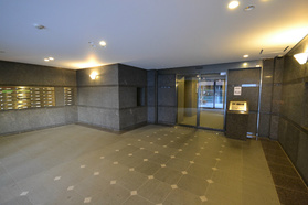 新板橋駅 徒歩18分エントランス