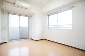 https://image.rentersnet.jp/972bbe7d-6043-4aea-8543-73ad460af22f_property_picture_961_large.jpg_cap_居室