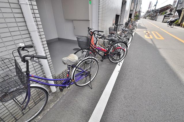 ルモン深江南 敷地内には専用の駐輪スペースもあります。