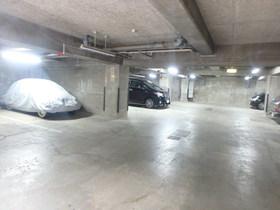 ルポゼー小山園駐車場