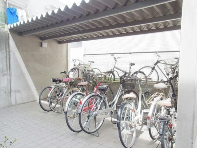 スカイコート駒沢公園駐車場