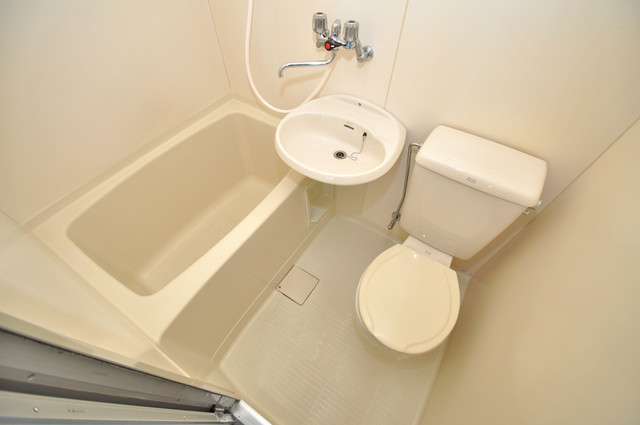 エスポアール春日Ⅱ とってもきれいなバス・トイレになっています。