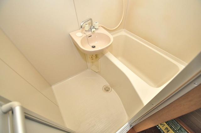 エステートピアナカタC棟 一日の疲れを洗い流す大切な空間。ゆったりくつろいでください。