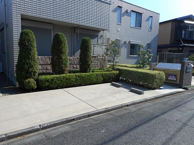 Maison AOBA駐車場