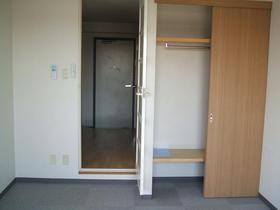 https://image.rentersnet.jp/97afb92e-de77-40ac-9bc1-0a8ad7d0bd50_property_picture_958_large.jpg_cap_居室