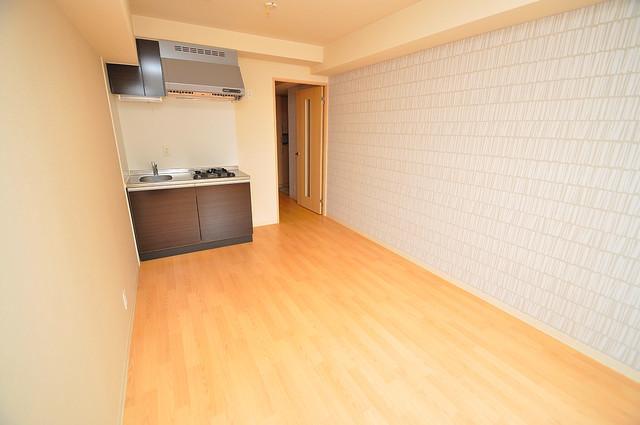 シャラロステ シンプルな単身さん向きのマンションです。