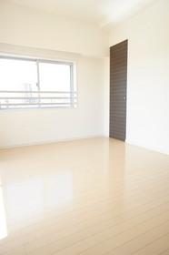 https://image.rentersnet.jp/97ca7bc62d5abc4959a48607876b1c28_property_picture_961_large.jpg_cap_居室
