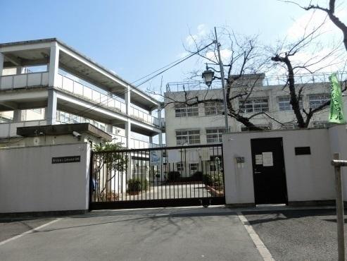玉栄マンション 東大阪市立高井田西小学校