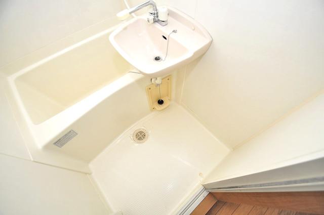 KHビル 単身さんにちょうどいいサイズのバスルーム。