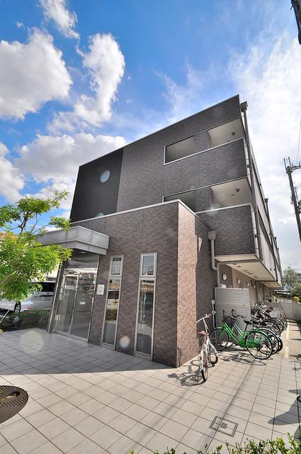 セーズコート高井田 オシャレな外観。毎日の帰宅がとても楽しくなりそうです。