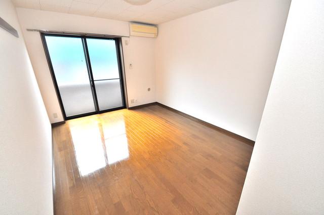 ウェール 明るいお部屋は風通しも良く、心地よい気分になります。