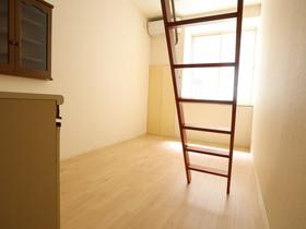 https://image.rentersnet.jp/98719c16-00ed-4beb-ab5b-b4c1237dcb1a_property_picture_955_large.jpg_cap_居室