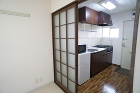 https://image.rentersnet.jp/987f16f5-7b53-473d-8a89-8263b98a0022_property_picture_956_large.jpg_cap_キッチン