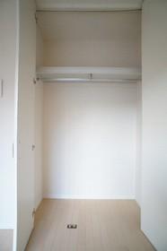 プレジール山王 101号室